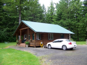 Huckleberry Lodge Cabin (3)