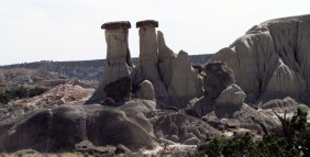 Hoodoos in Lybrook Badlands9