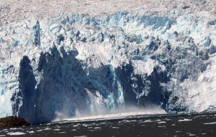 Calving of Aialik Glacier